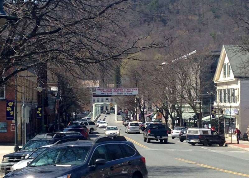 Downtownshelburnefalls.jpg